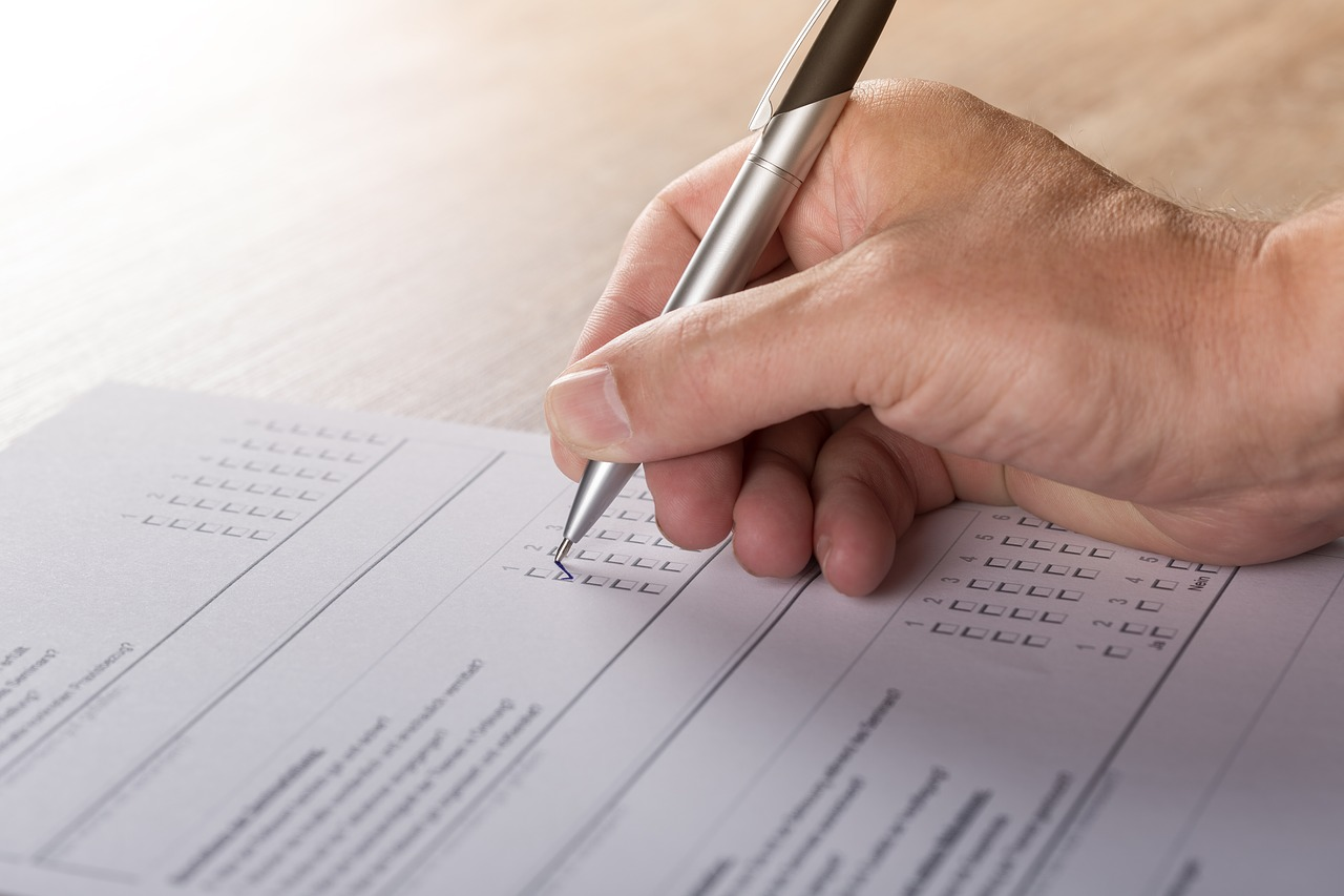 Market research techniques: Filling out a survey